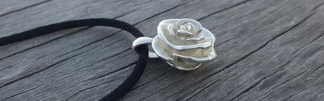 Rose pendant